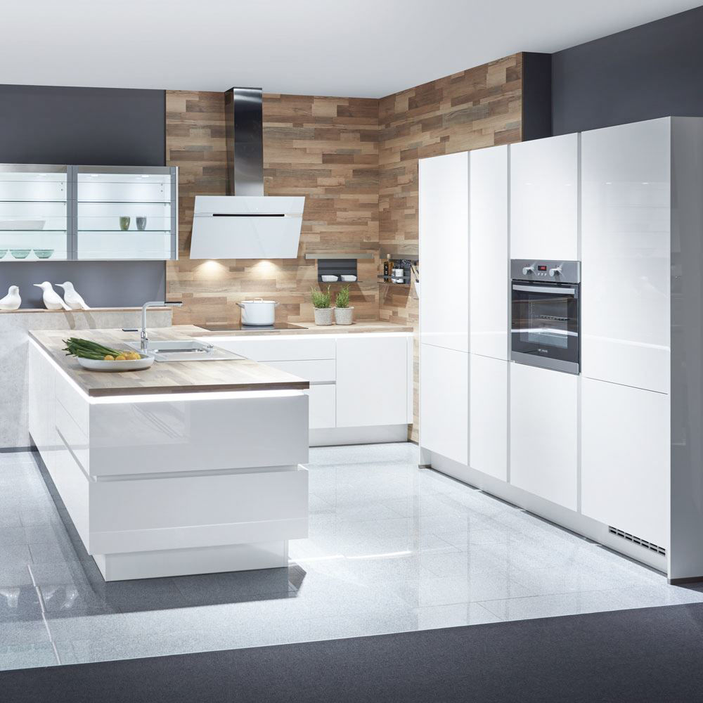 Focus Kitchen, White Ultra High Gloss